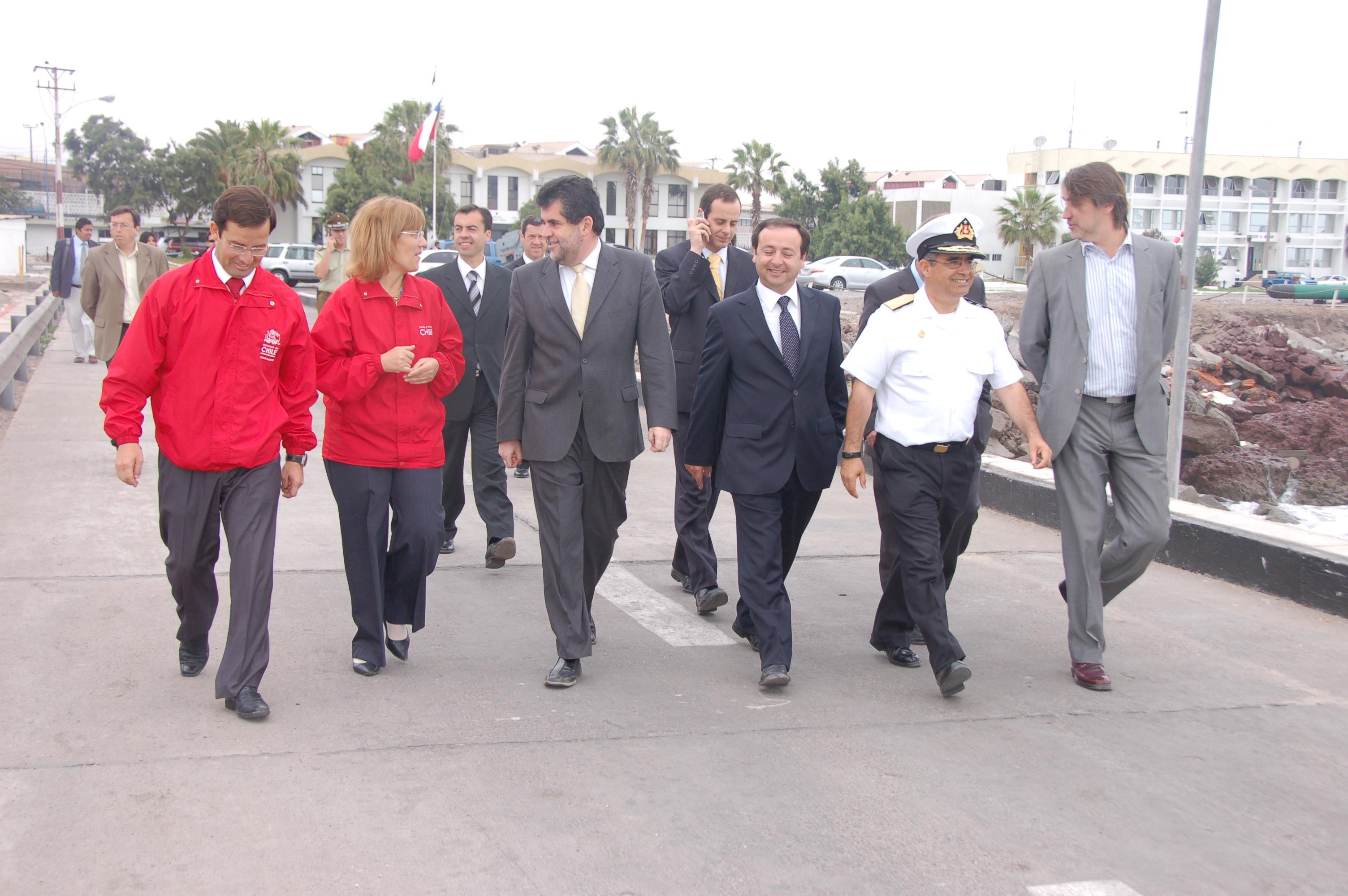Subsecretario del interior visit la iv zona naval http for Subsecretario del interior